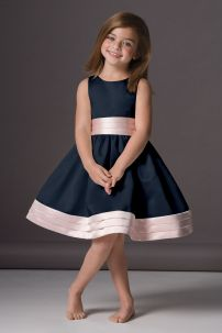 Cute bridesmaid dresses for little girls ideas 39